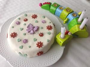 Geburidrache mit Torte