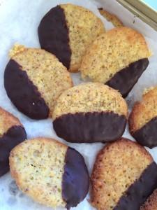 Orangen-Schokoladen-Kekse in der Dose