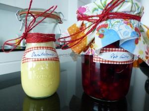 Vanillesauce und Rote Grütze