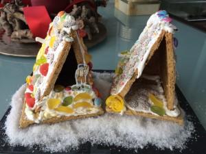 zwei Lebkuchenhäuser